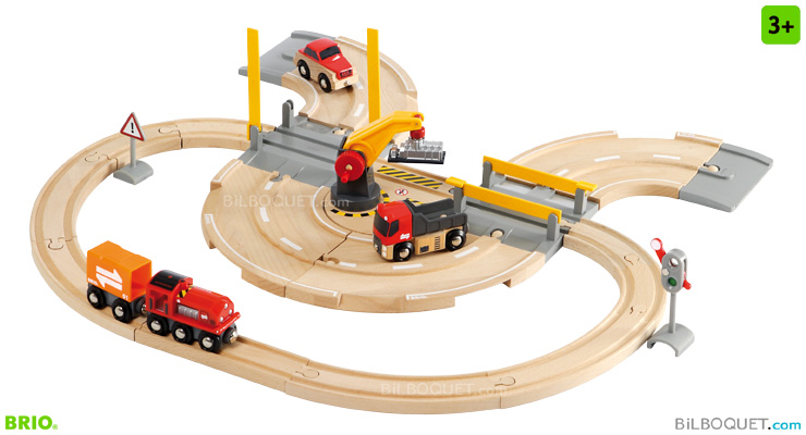 Rail & Road Crane Set 26 pieces BRIO
